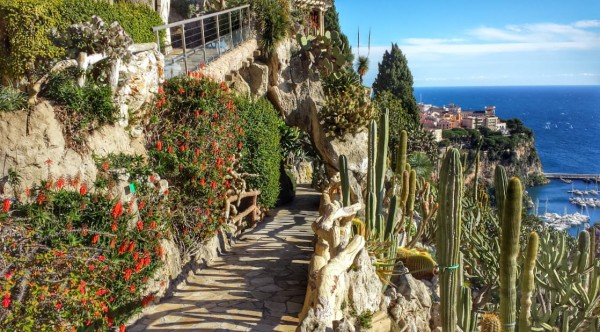 Ogród Egzotyczny z jaskinią w Monako