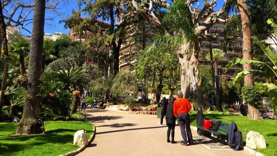 Ogrody przy kasynie w Monako Monte Carlo